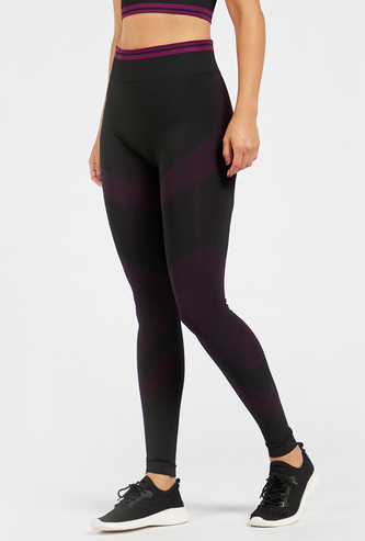 Solid Seamless Leggings with Jacquard Detail