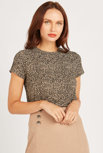 All-Over Print Top with Round Neck and Short Sleeves
