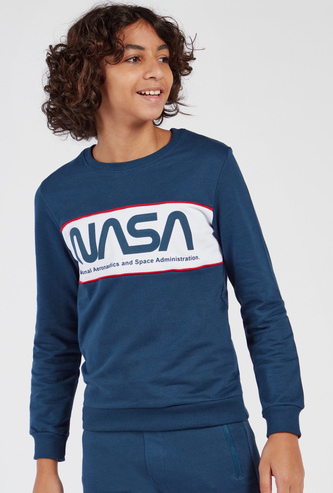 Slogan Print Round Neck Sweatshirt with Long Sleeves