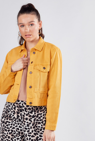 Cropped Denim Jacket with Buttoned Flap Pockets
