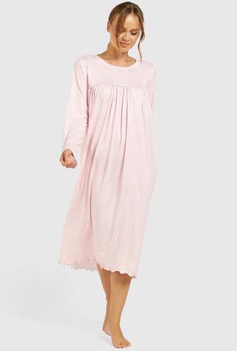 ثوب نوم بياقة مستديرة وطبعات وأكمام طويلة