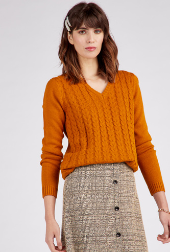 Textured Regular Fit V-Neck Sweater with Long Sleeves