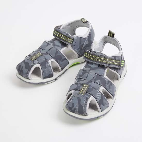 FAME FOREVER Boys Printed Sandals
