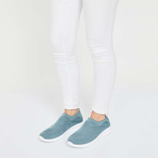 GINGER Slip-On Mesh Casual Shoes
