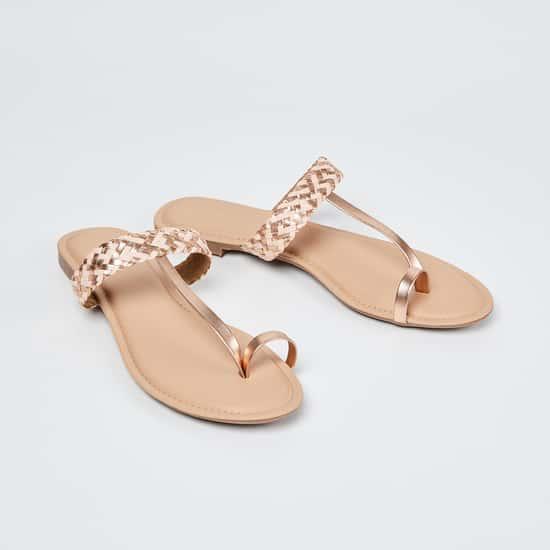 MELANGE Braided Toe-Ring Flat Sandals