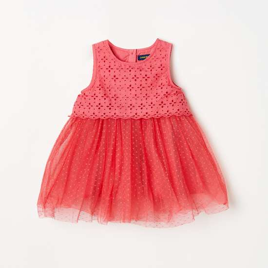 JUNIORS Girls Schiffli Embroidery Sleeveless Fit and Flare Dress