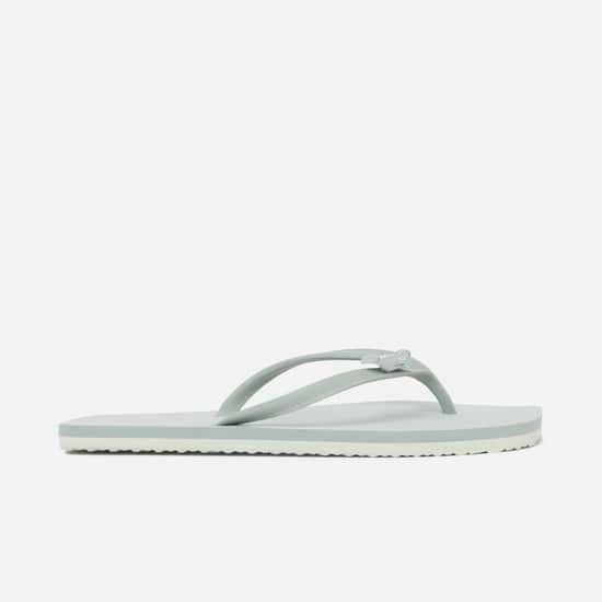 GINGER Women Solid V-strap Slippers