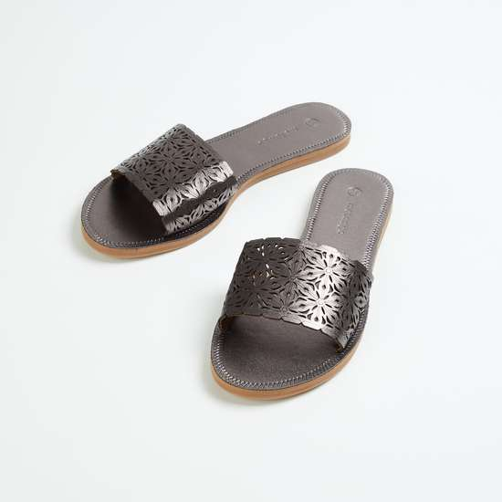 MELANGE Women Cut-Out Detail Slip-On Flats