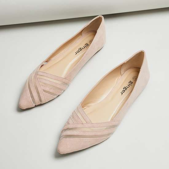 GINGER Women Solid Pointed Toe Ballerinas