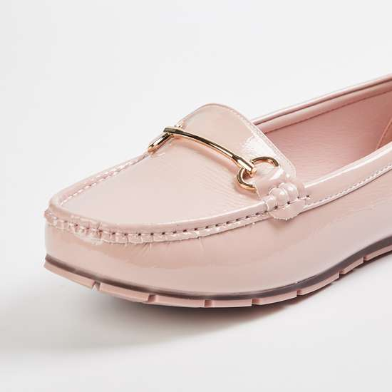 CODE Women Solid Loafers