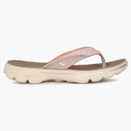 Consultar información Pico  SKECHERS GoGa Mat Technology Go Walk Slippers | Brown