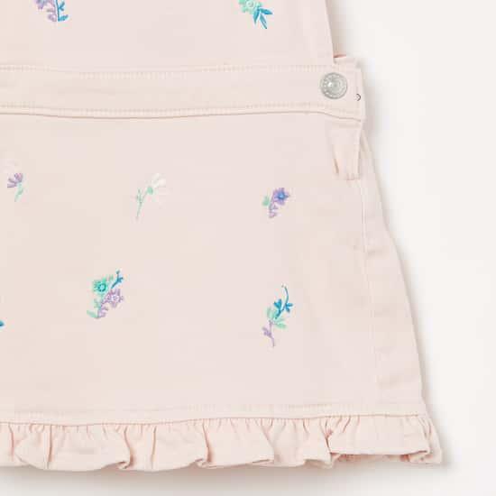 JUNIORS Embroidered Ruffled Hem Dungarees