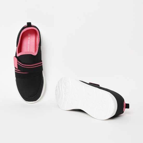 FAME FOREVER Colourblocked Slip-On Shoes