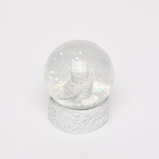 كرة مائية مزيّنة بتصميم بومة