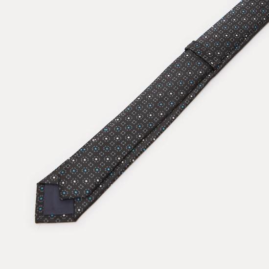 ربطة عنق سليم مطرزة بحلقة تثبيت