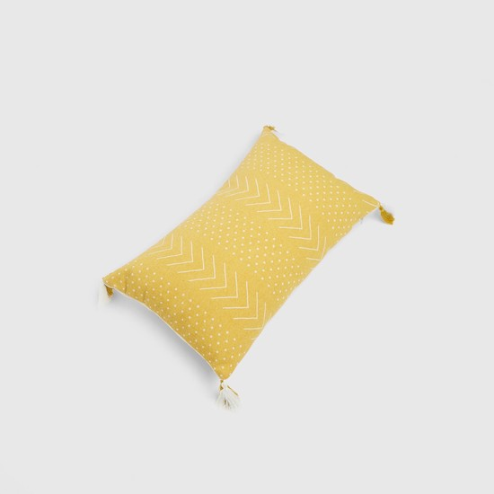 Printed Filled Cushion with Print and Tassel Detail - 50x30 cms
