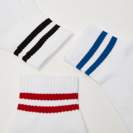 جوارب طويلة مخططة وبحواف مطّاطية - طقم من 3 أزواج