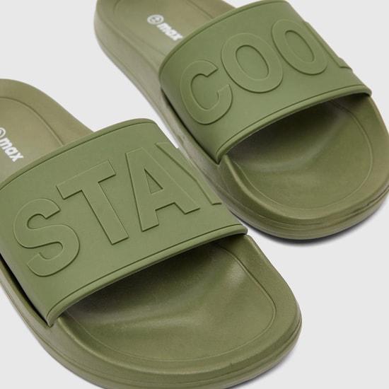 حذاء خفيف بأشرطة بطبعات منقوشة