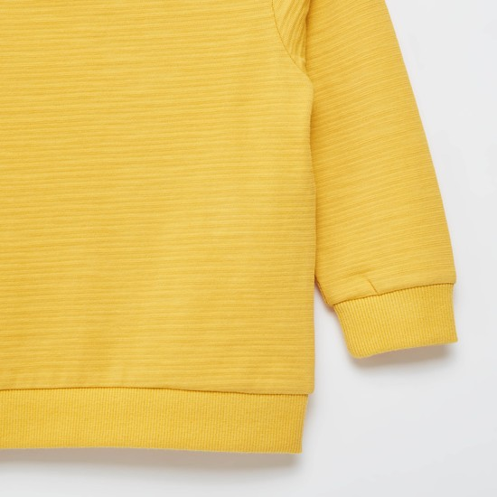 Cut and Sew Graphic Print Sweatshirt with Round Neck and Long Sleeves
