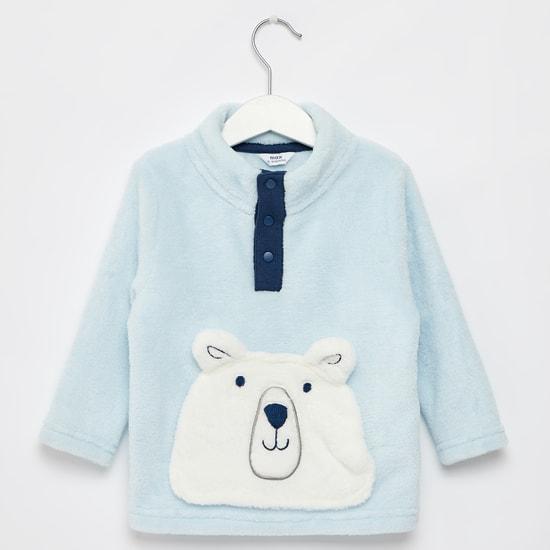 سويت شيرت بارز الملمس بياقة عالية وأكمام طويلة وجيب الدب القطبي