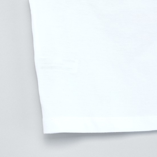 تيشيرت بياقة مستديرة وأكمام قصيرة وطبعات شعار سوبرمان