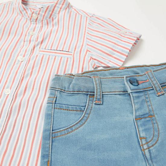 طقم قميص بأكمام قصيرة مخطط مع شورت دينم بارز الملمس