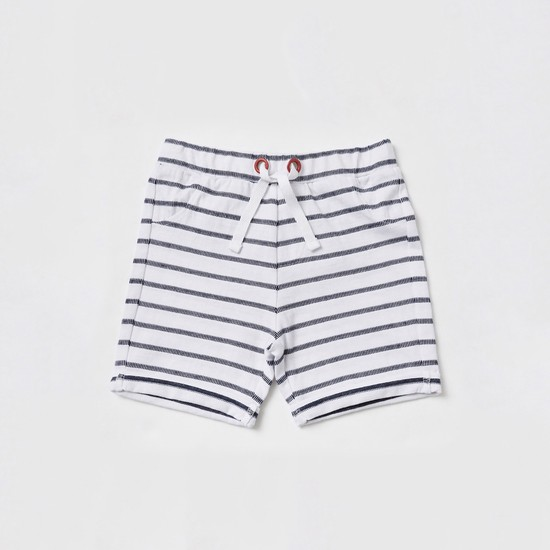 Graphic Print Short Sleeves T-shirt with Striped Shorts
