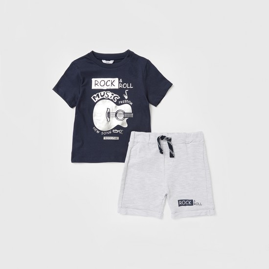 Printed Round Neck T-shirt and Knee-length Shorts Set