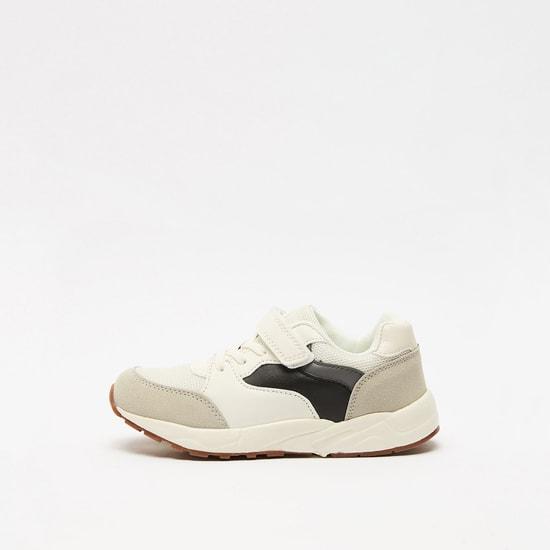 حذاء سهل الارتداء بارز الملمس بخطّاف وحلقة إغلاق