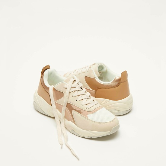 حذاء سنيكرز كتل ألوان برباط إغلاق