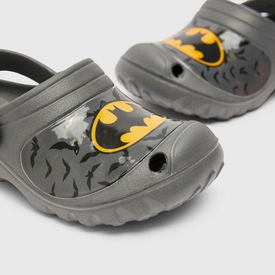 حذاء سهل الإرتداء بطبعات باتمان