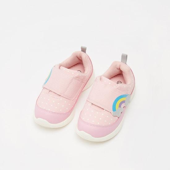 حذاء بشريط إغلاق لاصق وطبعات