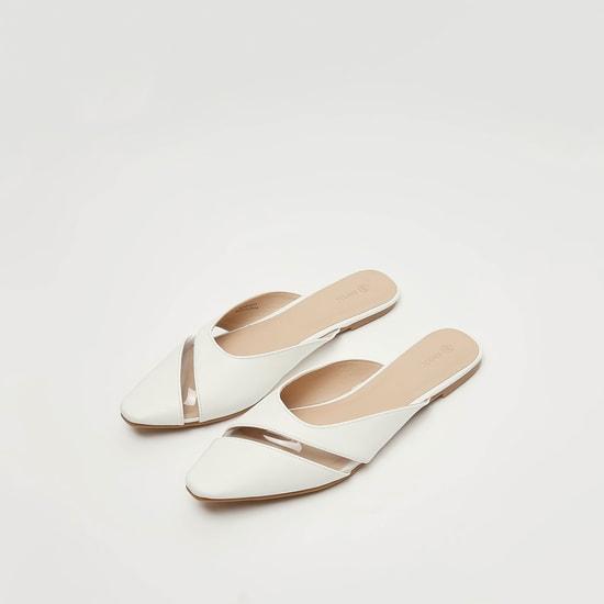 حذاء ميول سادة بتفاصيل شفافة