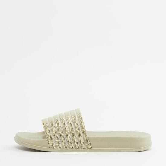 حذاء خفيف بحزام بطبعات