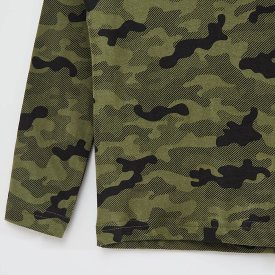 Camouflage Print Round Neck T-shirt with Long Sleeves