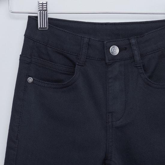 بنطلون جينز سادة طويل بجيوب وحلقات للحزام