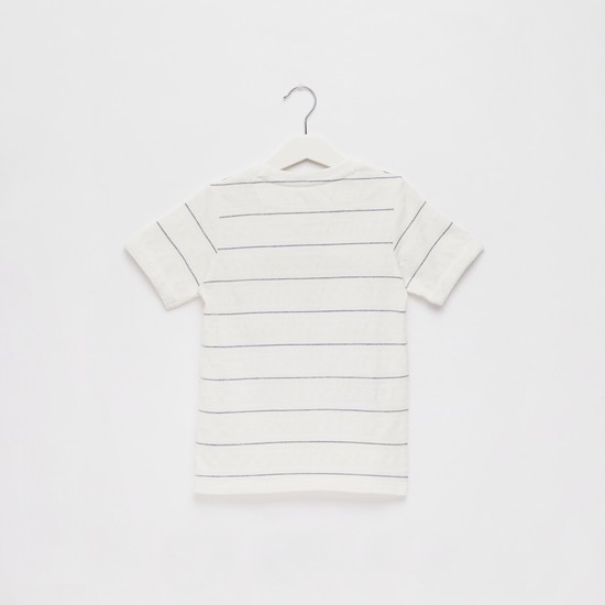 Striped Front Graphic Print T-shirt with Round Neck and Short Sleeves