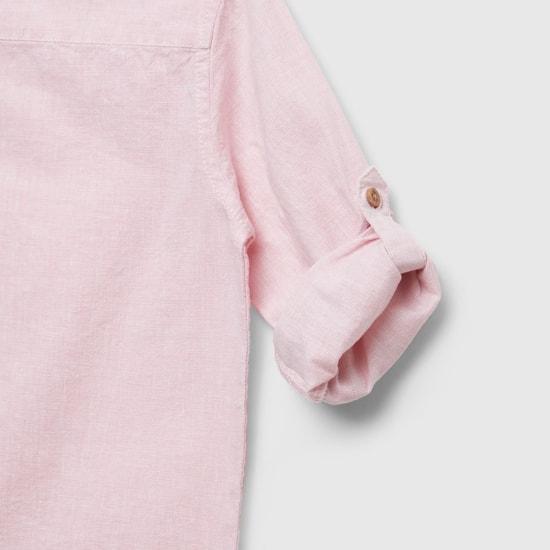 قميص بياقة ماندارين وأكمام طويلة