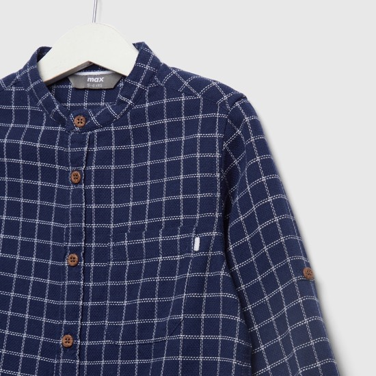 قميص مربعات بياقة ماندارين وأكمام طويلة