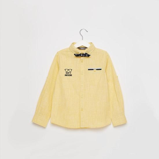 قميص بارز الملمس بأكمام طويلة وفيونكة