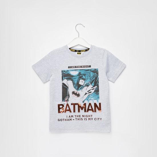 تيشيرت بياقة مستديرة وأكمام قصيرة وطبعات باتمان جرافيك
