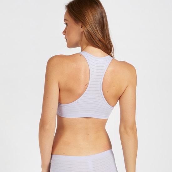 صدرية رياضية بتصميم متقاطع من الخلف ومبطنة ومتداخلة ومخططة