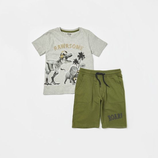 Graphic Print T-shirt with Embossed Detail Shorts