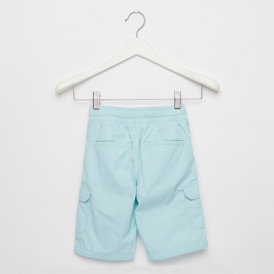 Solid Knee-Length Cargo Shorts with Drawstring Closure and Pockets