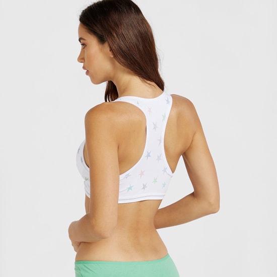 صدرية رياضية بتصميم متقاطع من الخلف وطبعات نجوم مبطنة ومتداخلة