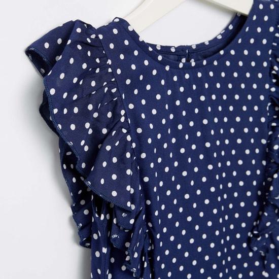 فستان بياقة مستديرة وكشكش وطبعات منقّطة