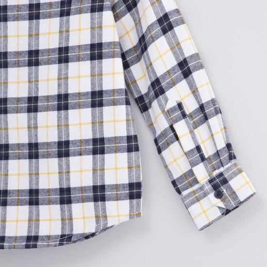 قميص كاروهات بأكمام  طويلة وجيب بطيّة