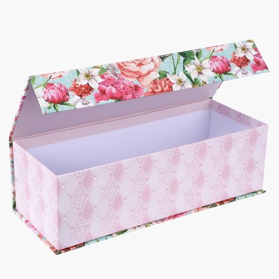 صندوق هدايا مُزيّن