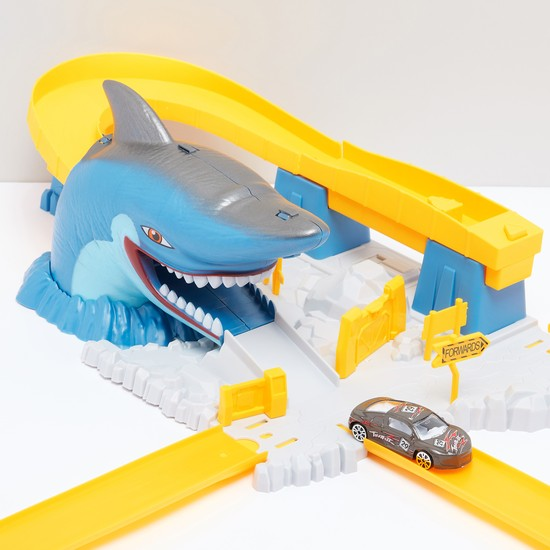 Launch Pathway Shark Mouth Escape Racing Playset