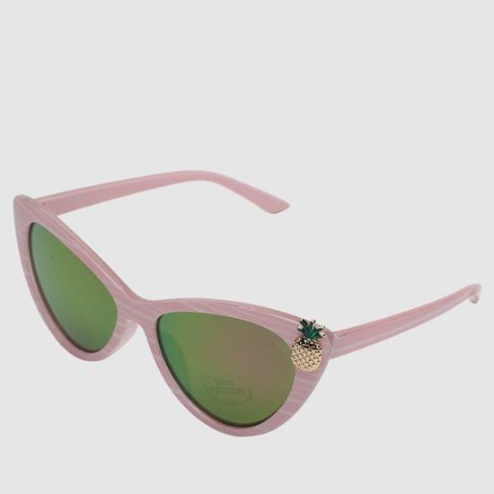 نظارة شمسية مقلّمة بتصميم عين القطة